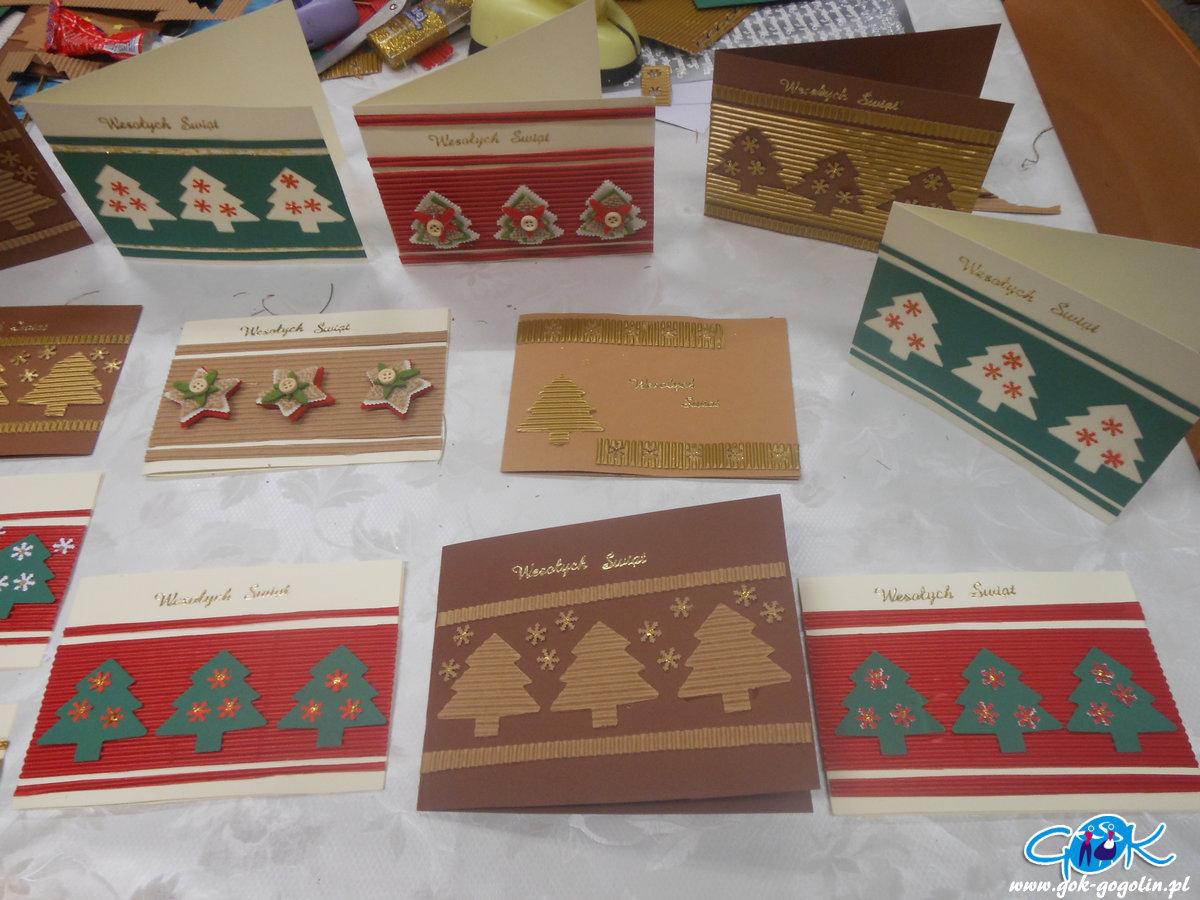 Warsztaty świąteczne w Odrowążu: kartki bożonarodzeniowe